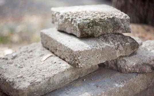 Abfallbeispiel für Betonbruch & Estrich (mit oder ohne Eisen)